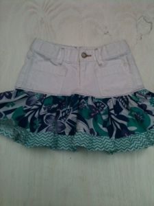 This was another $1 giveaway!!! A pair of white jeans turned into this cute little ruffle skirt!